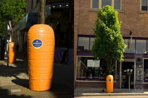 Рекламные скульптуры из пластика