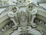 Лепной декор для фасада из полиуретана и пенопласта