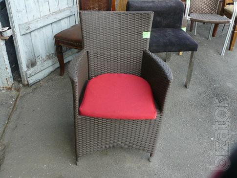 Will sell B.. a chair with arms and cushion for restaurants