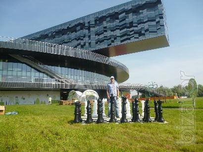 The large outdoor chess, outdoor green giant