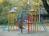 Изготовление качелей, спортивных городков и детских площадок.