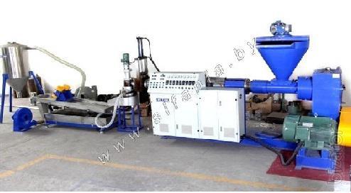 Линия по производству полимерно-резиновых изделий из вторичных полимеров.