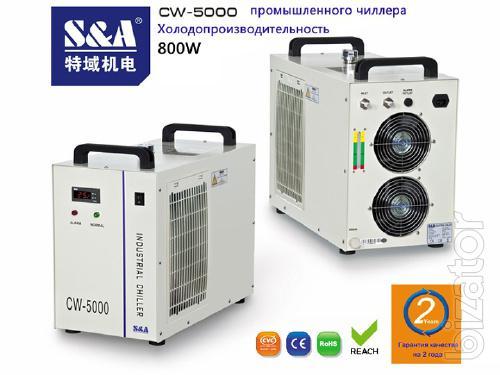 Совершенно новый высокоскоростный и высокоточный крупноформатный принтер UV охлаждается чиллером CW-5000 S&A.