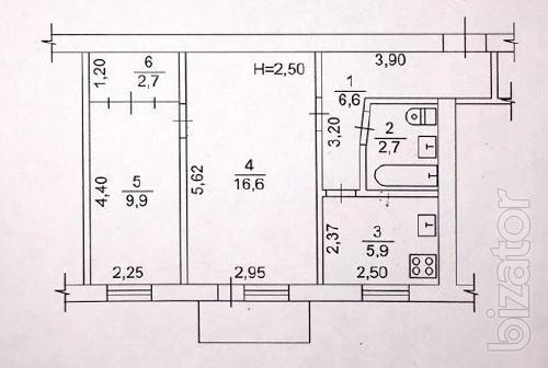 ул.Полтавский Шлях 126.Уютная двухкомнатная квартира.Общая площадь 45 м.кв.,жилая 27,и кухня 6 метров.