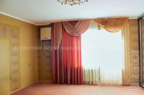 Без комиссии!!! Продается большая трехкомнатная квартира на улице Ахматовой 9/18