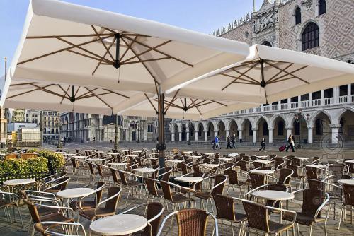 Зонт для сада или кафе бара ресторана, консольные зонты