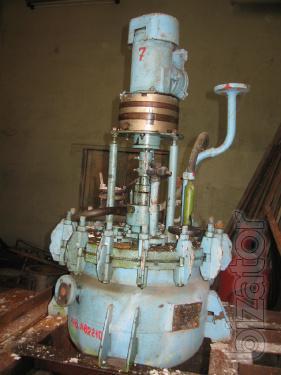Куплю реакторы из нержавеющей  стали, эмалированные, стальные