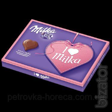 Конфеты Milka Pralines strawberry клубника 110г