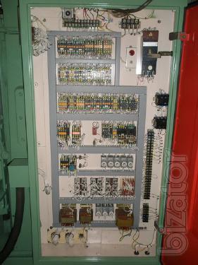 Продам универсально-фрезерный станок 6Т82Ш