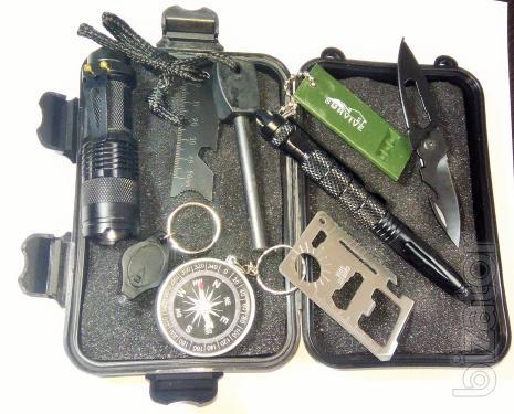 Набор туриста и выживальщика с огнивом и тактической ручкой. 8 предметов