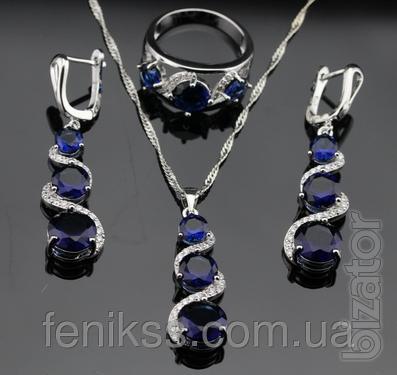 Комплект украшений из серебра с синим сапфиром