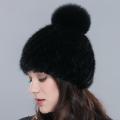 Женская норковая шапка с бубоном. Норковая шапка на подкладке