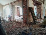 Демонтаж внутри зданий и помещений.