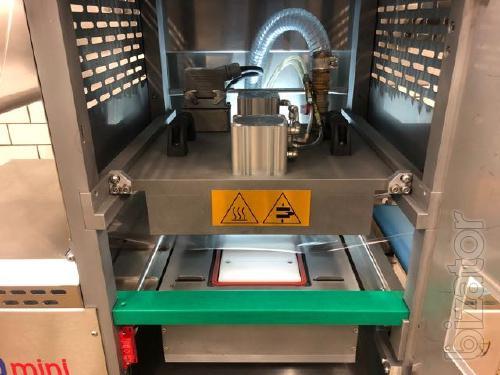 Fully automatic MAP tray sealing machine Apack autoMAP100mini