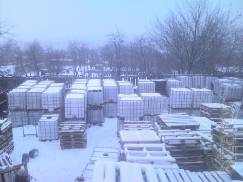 Tank ( IBC ) 1000 l, pallets, barrels.