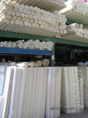 Caprolon, polyamide, Polyacetal (RUM), PET and other plastics in the blanks.