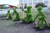 Топиарий под заказ, фигуры из искусственной травы.