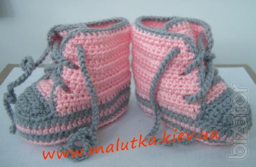 вязание пинеток ботиночек на спицах с белой каемкой видео
