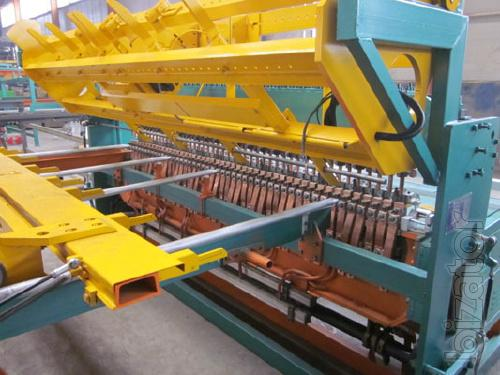 Machine for the production of welded fenced grid