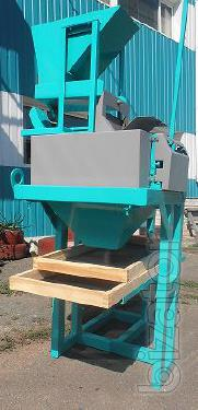 The compacting unit. For crimping of flakes of various thicknesses of the following types of cereals: oatmeal, peas