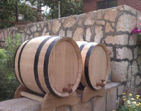 Jugs oak and oak barrels for wine