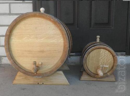 Casks, barrels, vats, gang, beer glasses made from natural wood.