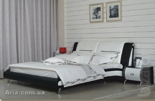 Italian leather bed Giulio
