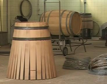Produce and sell oak barrels.