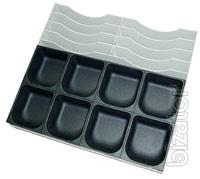 Trays for banknotes and coins