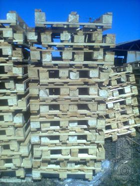 Wooden pallets from waste