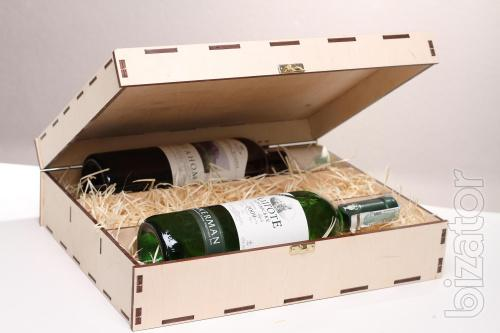 The case of three bottles - material - plywood