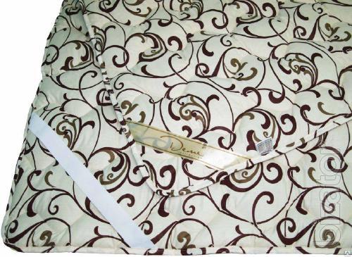 Monogram cream background