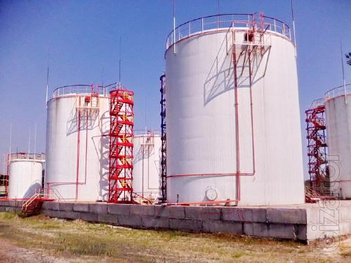 Vertical steel tanks with capacity from 100 to 5000 m3