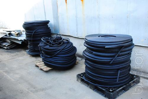 Rubber seals for railway rolling stock