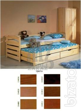 Bed with a retractable bed tolek (tolac)