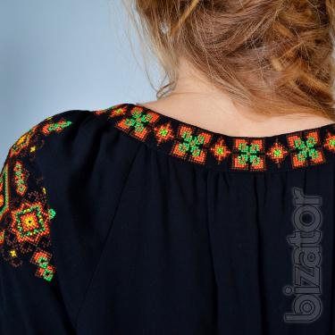 "Women's embroidered tunic ""the Messenger of happiness"""