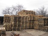 Buy pallets and pallet preparation.