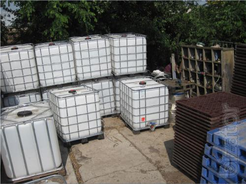 Buy IBC container 1000L. The pallet containers.