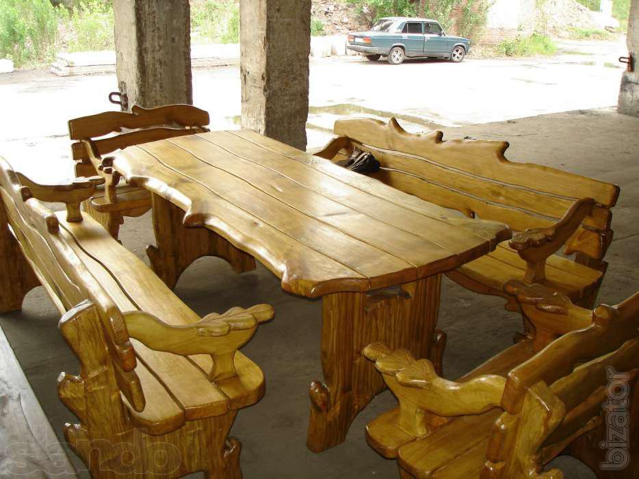 Красивый деревянный столик своими руками