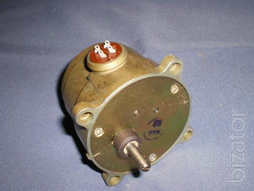 The electric motor D-32 127V 24 rpm 72 rpm