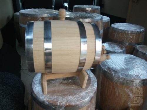 Oak barrels of different sizes, tubs