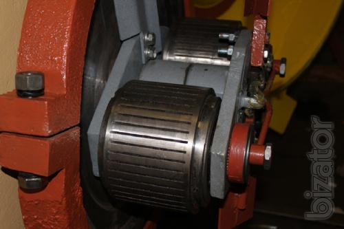 The roller Assembly grooved and perforated for pellet mills and feed pellets