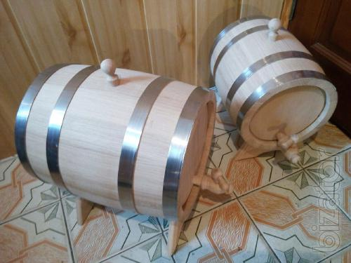Oak barrels for drinks, tubs for pickles