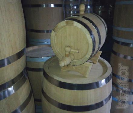 Oak barrels for different needs, vats of oak