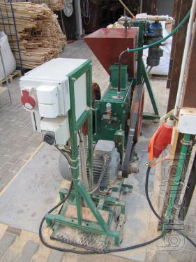 Press for briquetting of straw, wood, husk 180-250 kg/h
