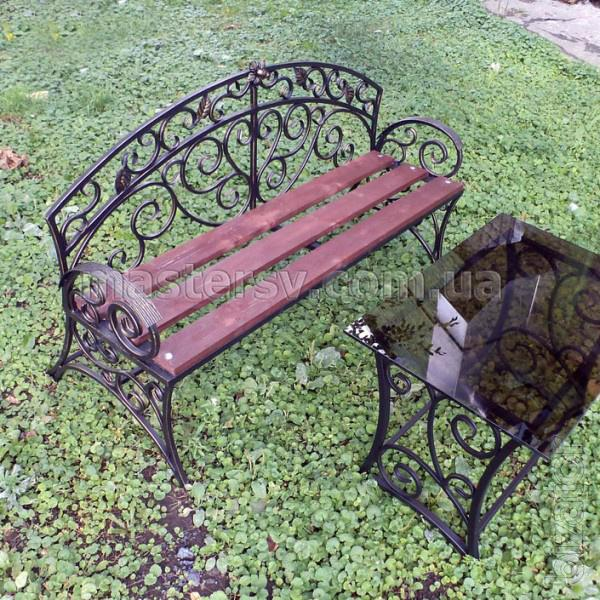 Wrought iron garden supplies in online store mastersv for Garden accessories online