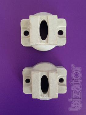 The supporting insulators, pin header, low-voltage, traverse