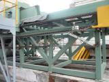 Crusher equipment for recycling construction waste