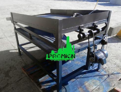 Vibrating screen for dry granular mixtures, screenings, sand.