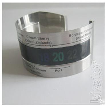 Bracelet thermometer temperature sensor for